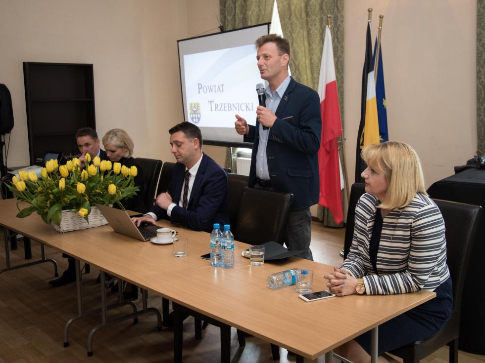 Powiat trzebnicki  Ispotkanie zsołtysami gmin powiatu trzebnickiego